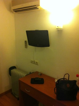 Gatell Hotel: TV