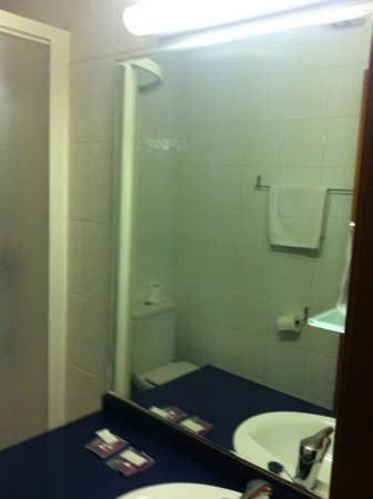 Gatell Hotel : Vista baño