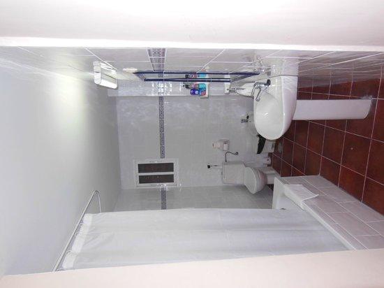 Adriano Hotel Torremolinos: Bathroom