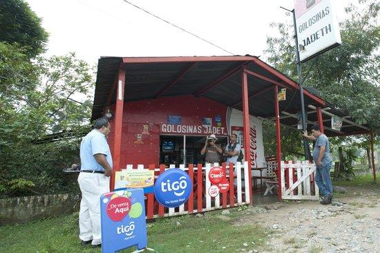 The Guaras Hostal: desayunado baleada