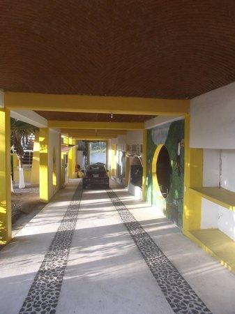 Paraiso de Playa Azul: Notre petite Fiat en sécurité.