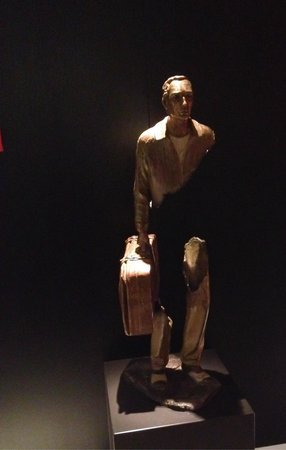 Clarion Collection Hotel Folketeateret: Skulptur i lobbyen.