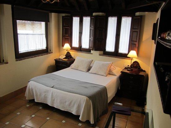 Hotel Casa del Capitel Nazari: Bedroom