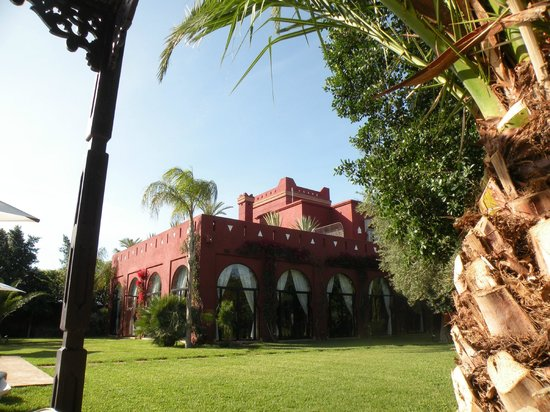 El Miria Palais Riad: Vista dalla piscina nel giardino
