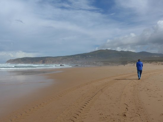 Fortaleza do Guincho: A stroll on the beach ia minute's walk away