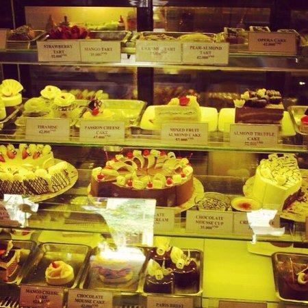 The Cargo Club : Yummy cake!