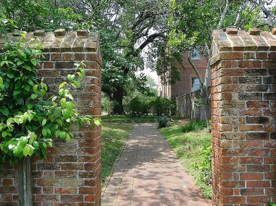 North Carolina History Center - Tryon Palace: gardens