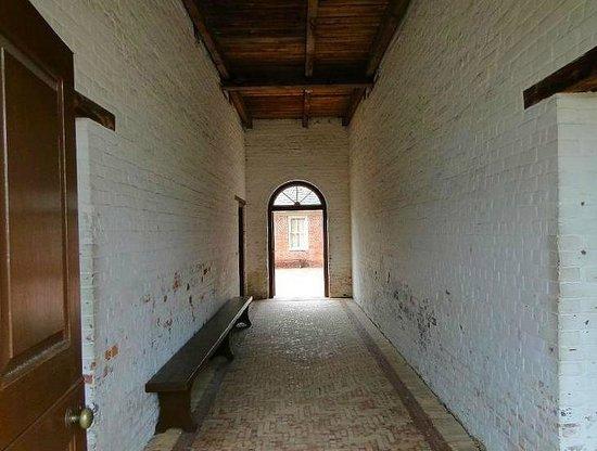 North Carolina History Center - Tryon Palace: barn