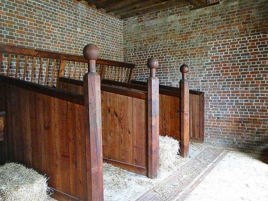 North Carolina History Center - Tryon Palace: stables