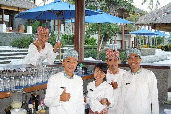 Anapuri Villas: Pool Bar friendly staff