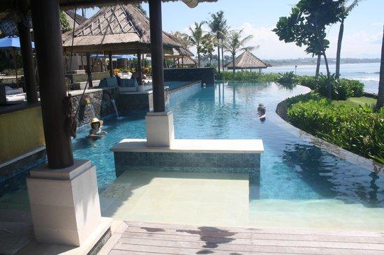 Anapuri Villas: Pool Bar