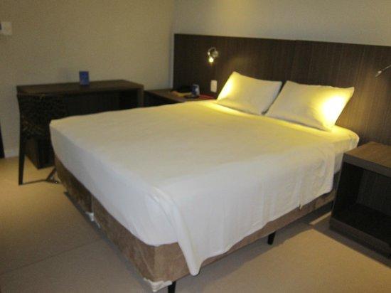 B Hotel