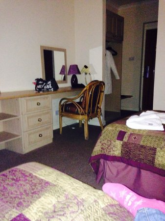 Highfield Hotel: Big room