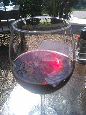Restaurant le Garde: Un bon petit vin local