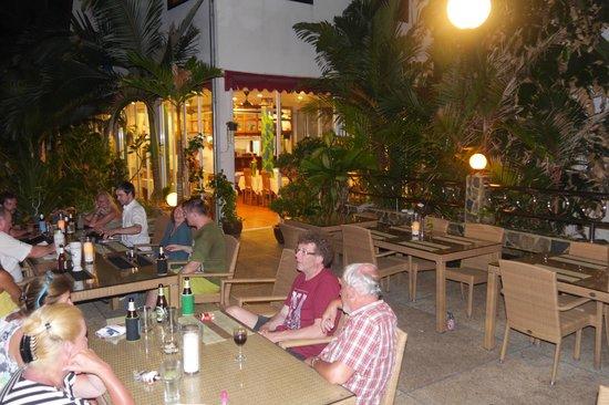 Pauls Restaurant: Terrasse