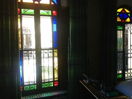 Riad Le Calife: Glass stain windows