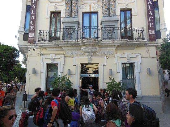 Petit Palace Canalejas Sevilla: Hotel Front
