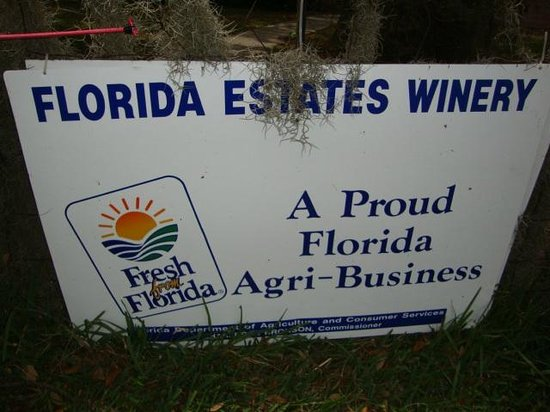 Florida Estates Winery: A sign outfront