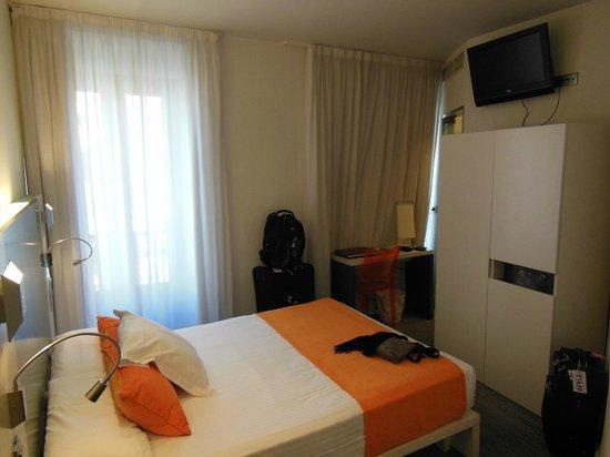 Petit Palace Canalejas Sevilla: Room