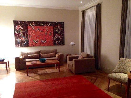 Tomtom Suites: Salon in Zimmer 24
