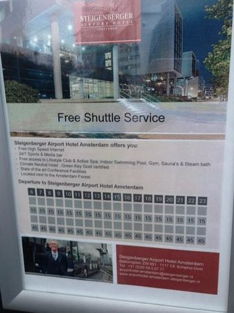 Steigenberger Airport Hotel Amsterdam: シャトルバスの時刻表、空港にて