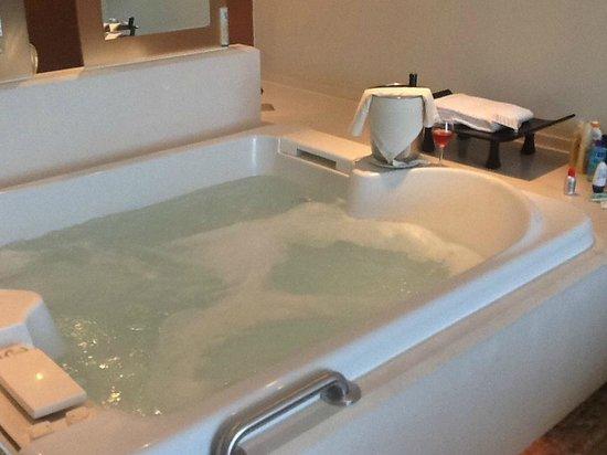 Sun Palace : Room hot tub