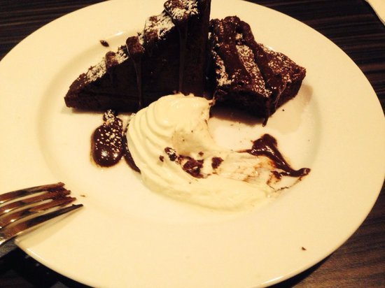 Actons Hotel Kinsale: Flour less chocolate cake