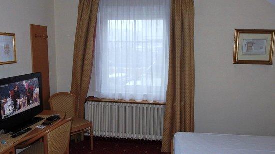 Hotel Blitzburg: Camera della dependence