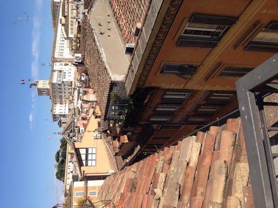 Boutique Hotel Trevi: Вид с балкона
