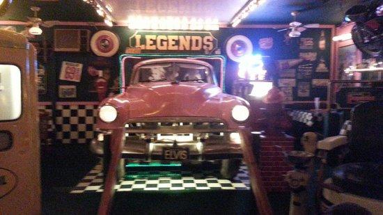 Legends Restaurant: Taxi station