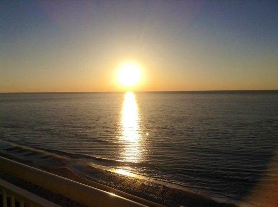 Carolinian Beach Resort: Sunrise from the balcony