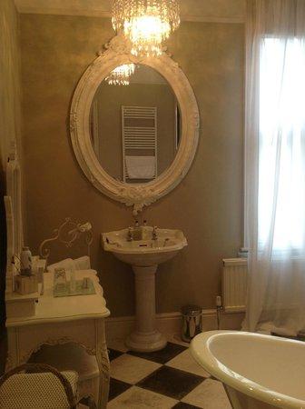 Lavender House: Stunning Luxury bathroom