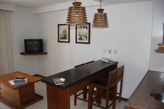 Golden Beach Resort and Spa: Kitchen bar table