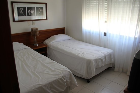 Golden Beach Resort and Spa: Two twin-bedded room