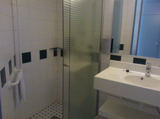 Lasaretti Hotel: Bathroom