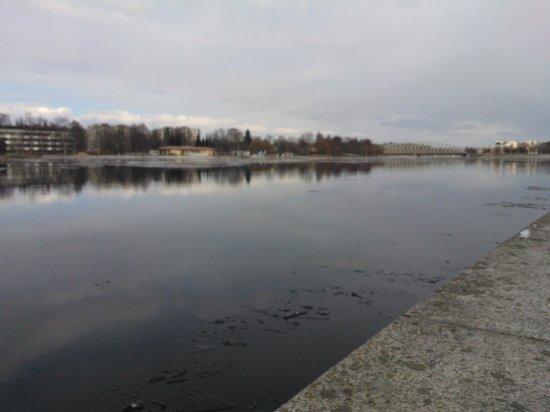 Lasaretti Hotel: River Oulujoki