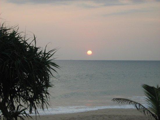 Club Koggala Village : закат