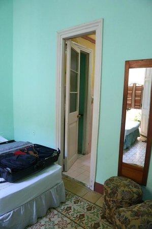 Casa Particular Raquel: Tür zum eigenen Badezimmer