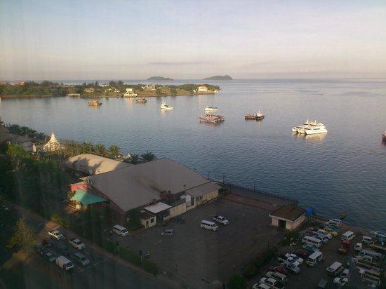 Le Meridien Kota Kinabalu: Sea-view from my room