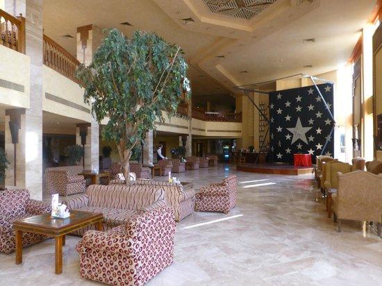 Siva Grand Beach Hotel: Reception area