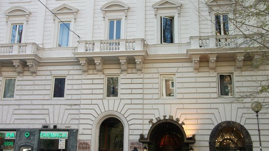 Hotel Turner: front of hotel