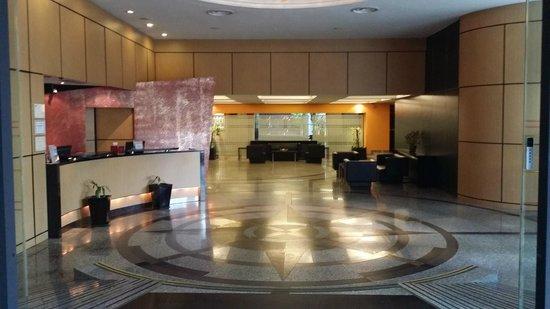 Bayview Hotel Singapore: Hotel Lobby