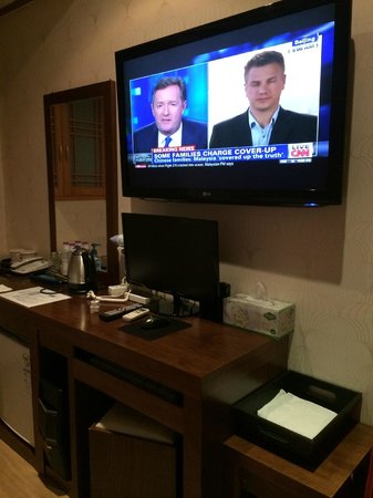 HOTEL GS: TV in the double room