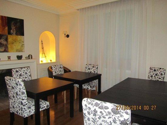 La Villa Paris : The Breakfast Room