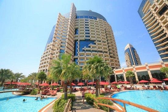Khalidiya Palace Rayhaan by Rotana: Swimming pool