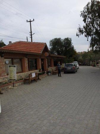 Teos Taxi Cafe Restaurant