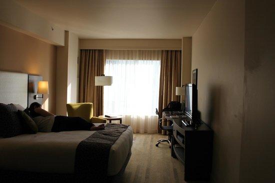 Hyatt At Olive 8: Spacious room