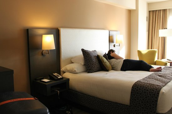 Hyatt At Olive 8: Comfortable bed