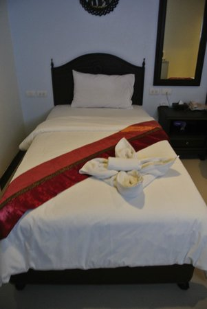 Chang Siam Inn: My bed!