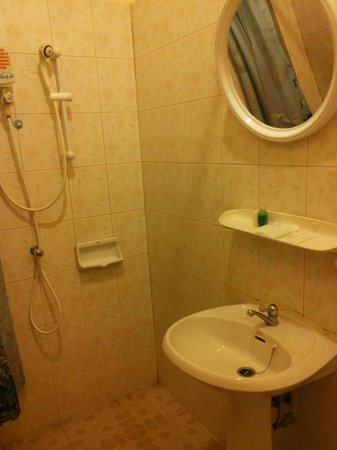 Sabaidee Patong Guesthouse: bagno